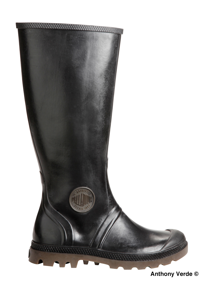 rubber-boots-black-product-photography