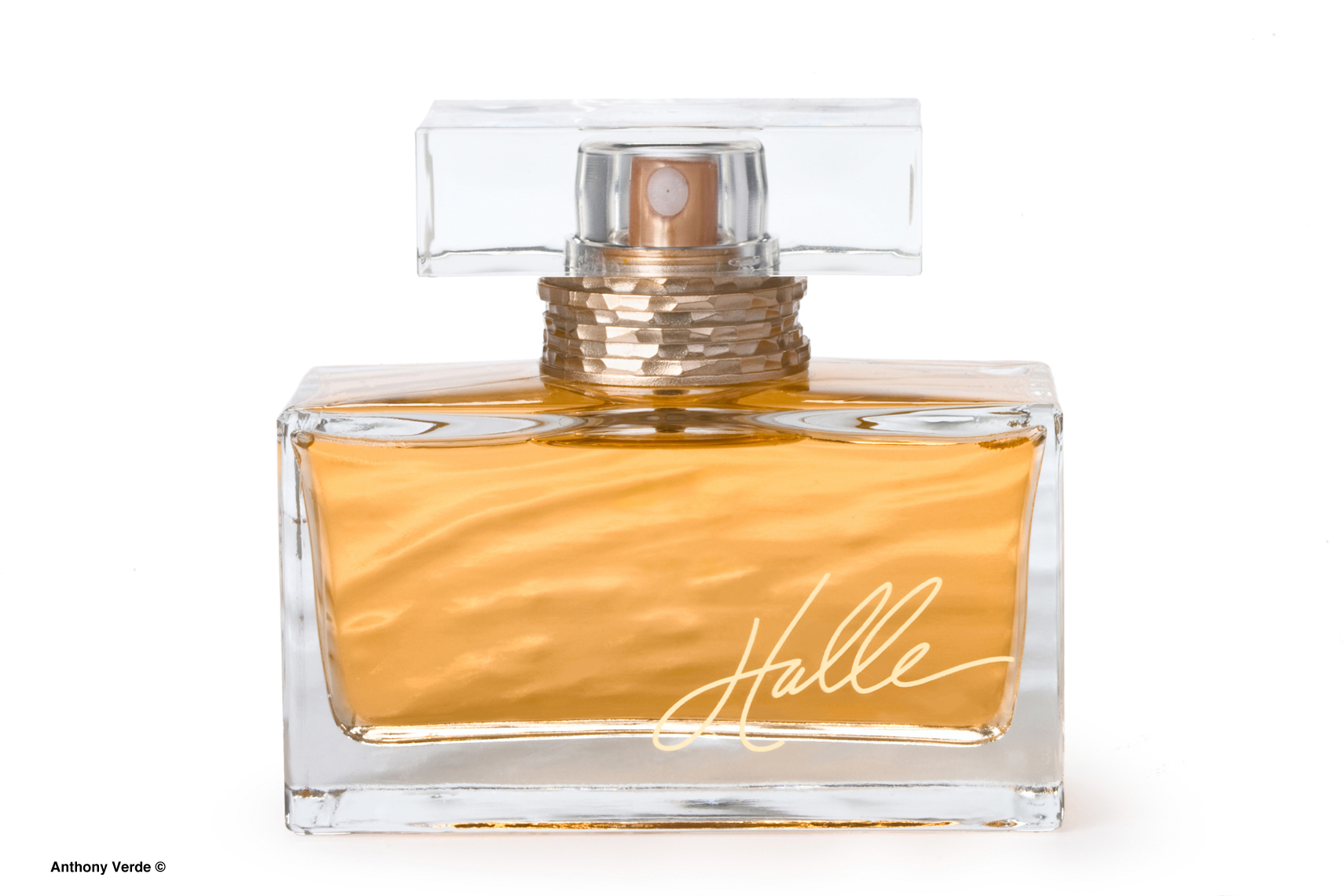 halle-perfume-product-photography