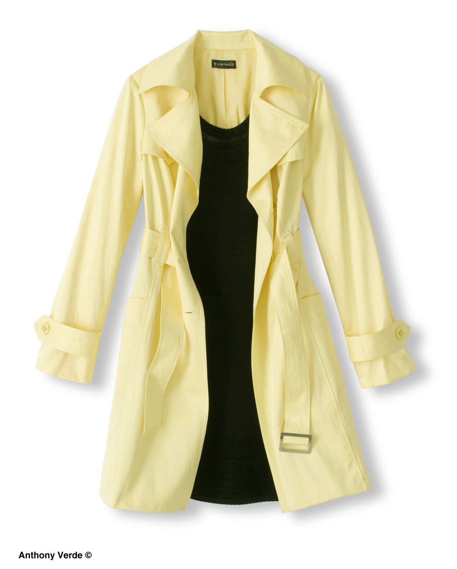 yellow-raincoat-outfit-product-photography