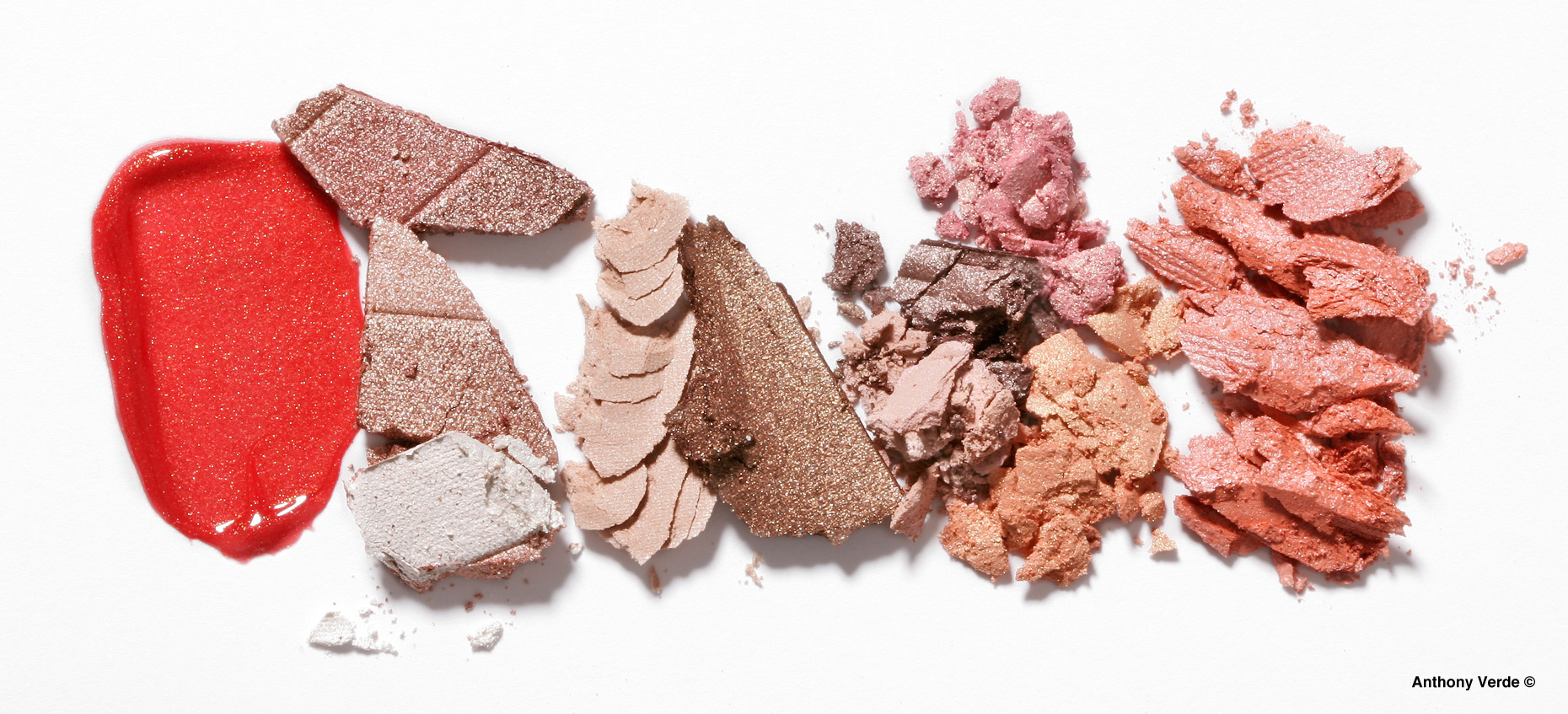 makeup-group-crumbles-still-life-photography