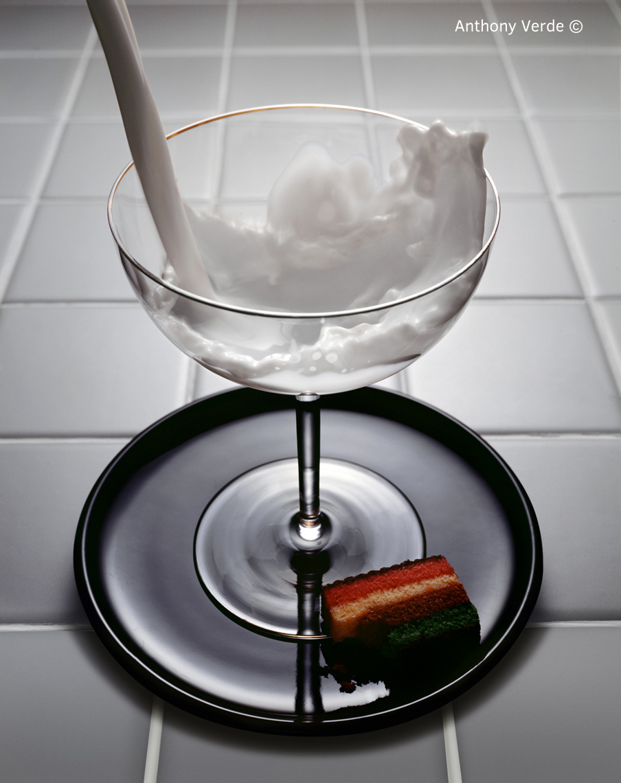milk-pour-glass-cookie-still-life-photography