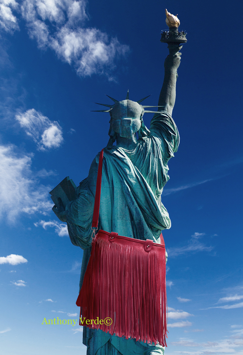 Statue-of-Liberty-with-bag